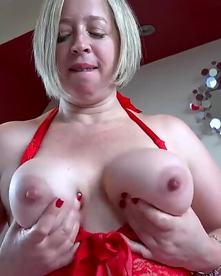 EuropeMaturE Shooting Star Solo Play and Toy Fuck