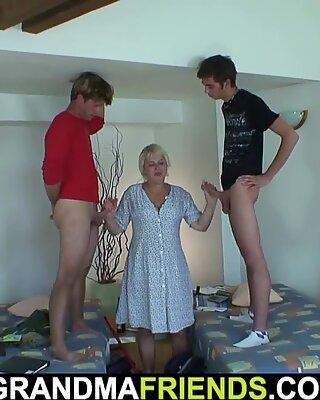 两个未成年男孩他妈的非常老金发病清洁奶奶