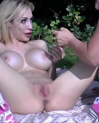 Лесбиянки бабушка сексуальные игрушки