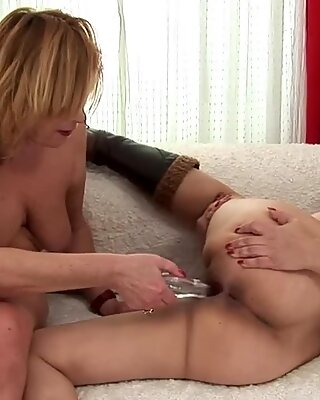 Granny loves penetrate as well