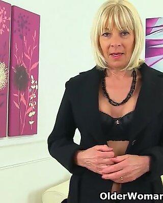Inglesas Gilf Elaine fala sobre seu passatempo Sujo