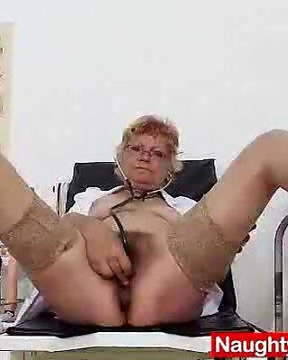 Вълнени баби небръснати