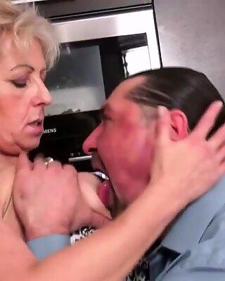 Nhự Lông Bà Ngánh fucked trong nhà cung