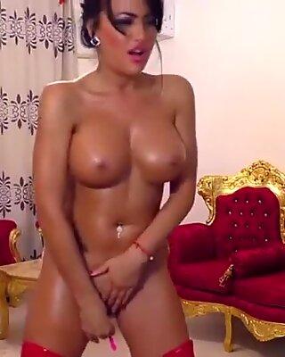 Я хочет повеселиться с тобой и с мой сексуальной пизда и опознанной задницей :)