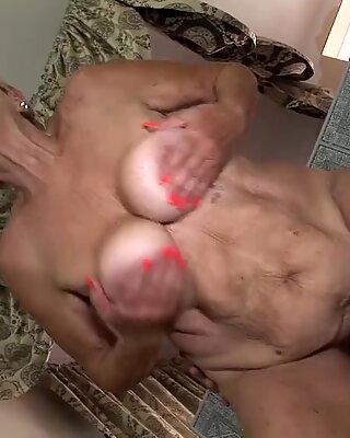 89 rokov starý babička natvrdo fucked