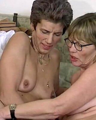 Грубые лесбиянки Бабуля Дилдо Обмен