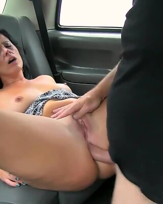 Nasty London cabbie fucked his horny passenger in ass