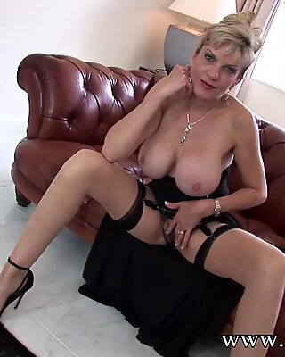Lady Sonia wants to see you jack off to her big tits