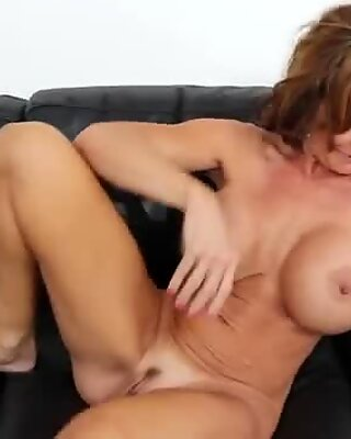 Horny cougar bitch Deauxma gets hammered hard doggystyle