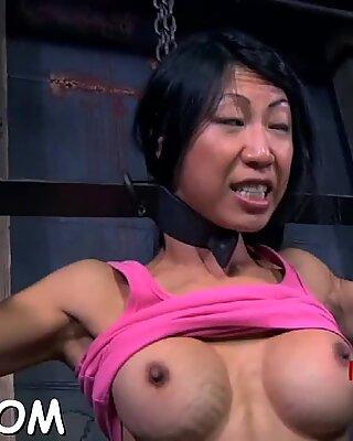 Playgirl gets lusty cunt prodding