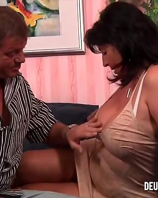 Sexy Mature Gets Pussy Licked and Fucked