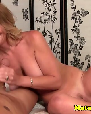 Busty skinny granny cleaning guys pipes