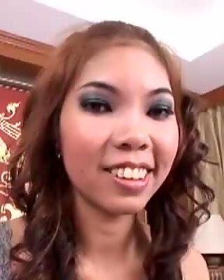 Thai lady Nen enjoys some hot dick riding