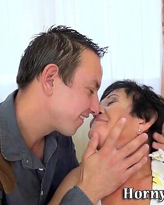 Grannys fuzzy vag licked