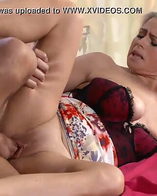 mommy chubby and busty proper milf next door tit wanks her neighbours rod