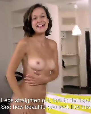 Awesome sweetie fingers slim fuckbox until she is coming