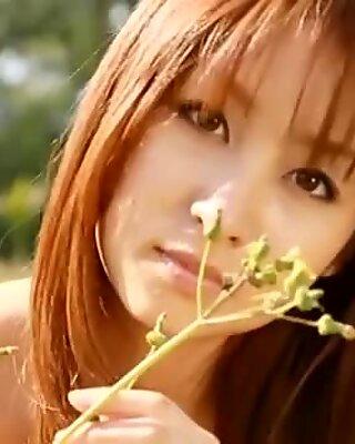 Beautiful Japanese girl Aya Kiguchi
