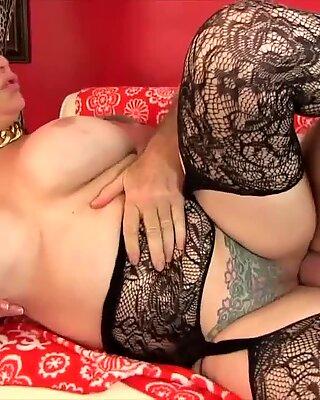 Golden Slut - Pounding Older Pussies Compilation Part 2