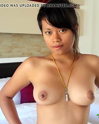 TukTukPatrol Sassy Thai Babe Welcomes Big Dick