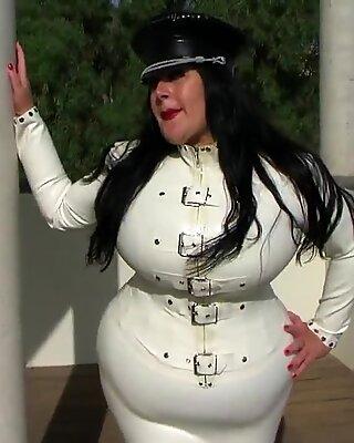 Schokomaus - White Uniform Diva 1
