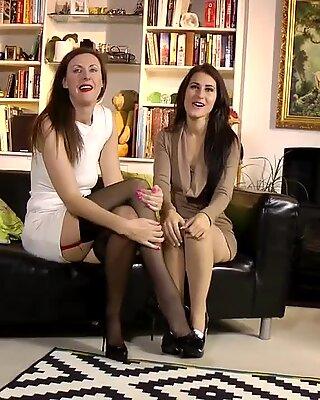 Classy milf eats gorgeous babes pussy