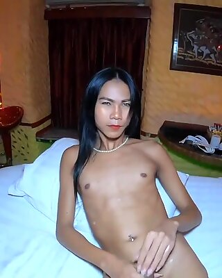 Amateur Asian shemale blowjob and anal fucked from behind