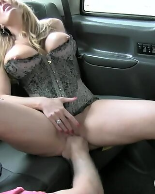 Mature milf in lingerie boned real deep in the backseat