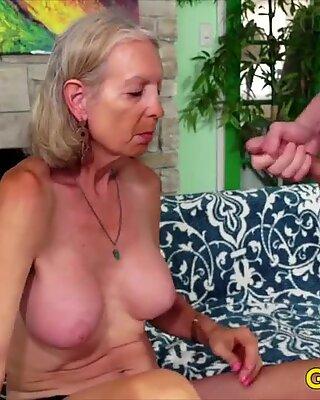 Golden Slut - mai în vârstă Doamnă Sex orală Comp 3