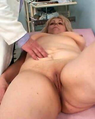 巨乳母彼女の穴はドキュメントによって正しくチェックされます